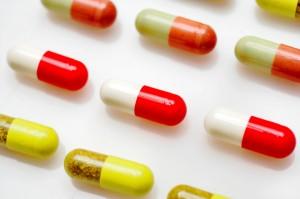 Antibiotici e antiacidi aumentano rischio allergie nella prima infanzia